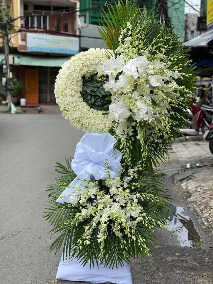 đặt hoa đám tang TPHCM