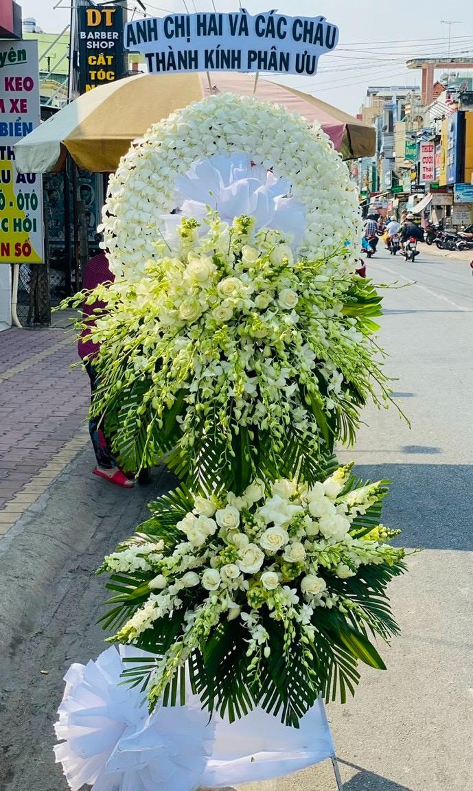 vòng hoa đám tang Biên Hòa