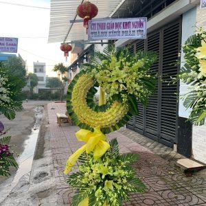 vòng hoa đám tang quận tân phú