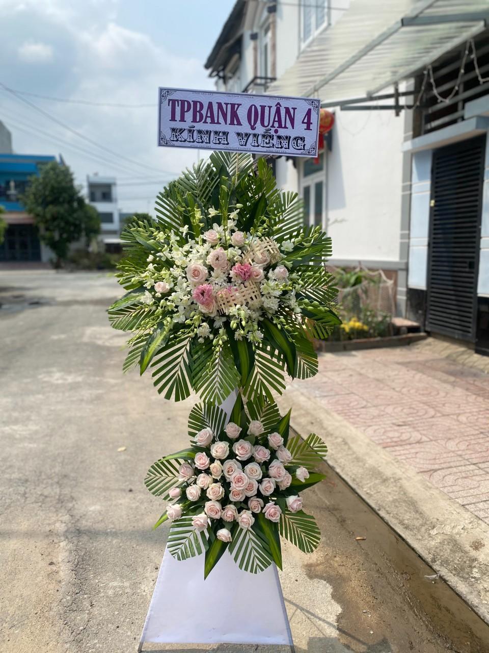 hoa tang lễ hóc môn